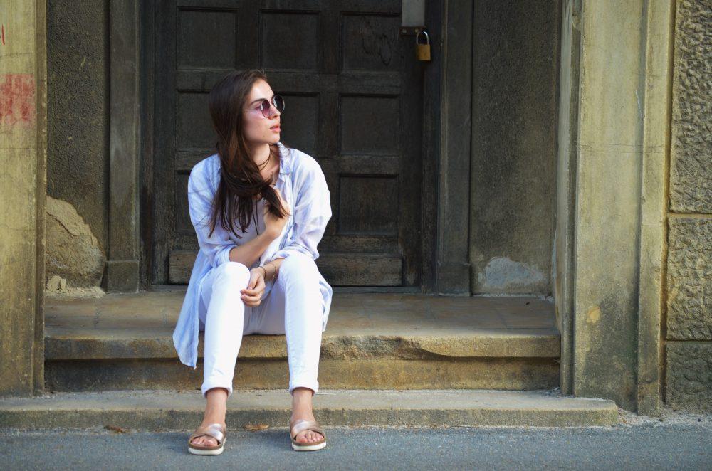 qonique-white-outfit-8
